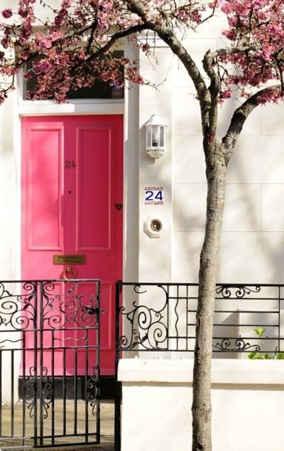 pink door2
